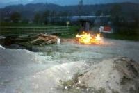 Huette_alt_brennt